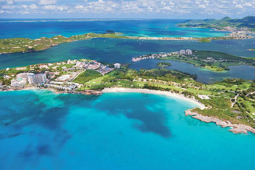 image Antilles Saint Martin Coupe Mullet Cupecoy Bay Vue aerienne  it