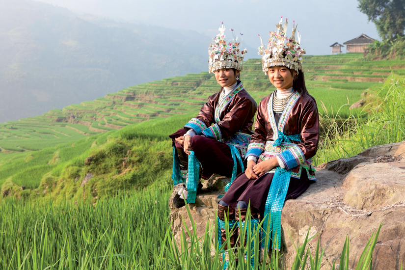 image Chine adolescent champ miao filles 14 it_17850978