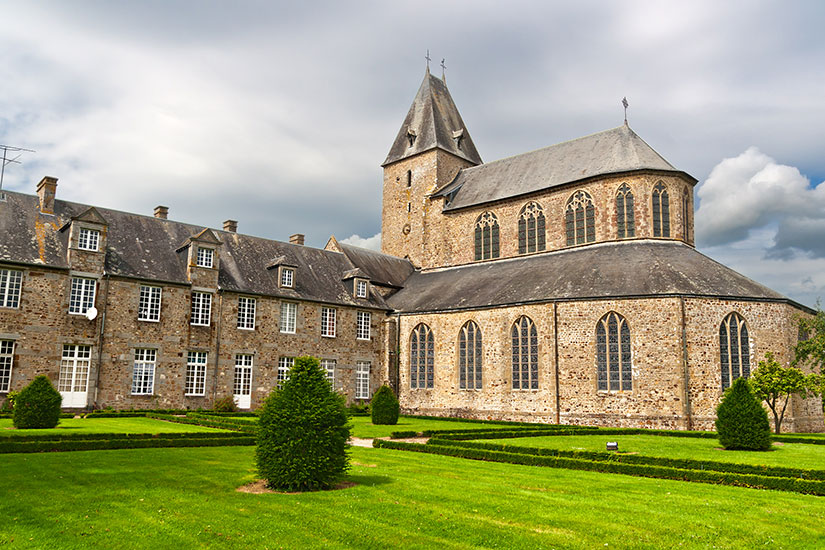 image France Normandie lonlay abbaye 01_is_153215396