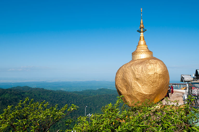 image Myanmar Rocher Or Kyaiktiyo  it