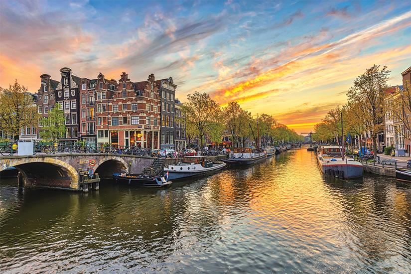 image Pays Bas Amsterdam au coucher du soleil 57 as_176953179