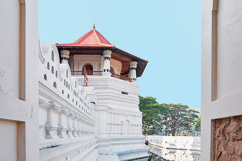image Sri Lanka Temple Dent Bouddha  it