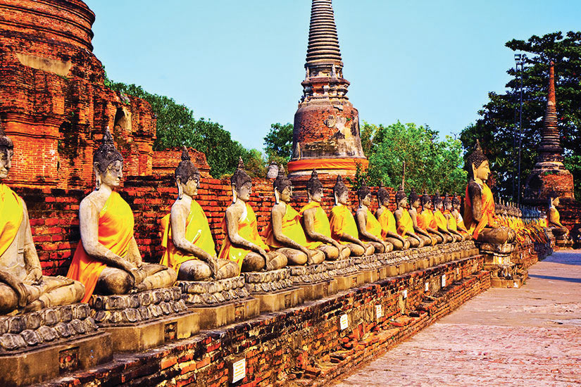 image Thailande Ayutthaya Temple Wat Yai Chai Mongkol Statues de Bouddha  fo