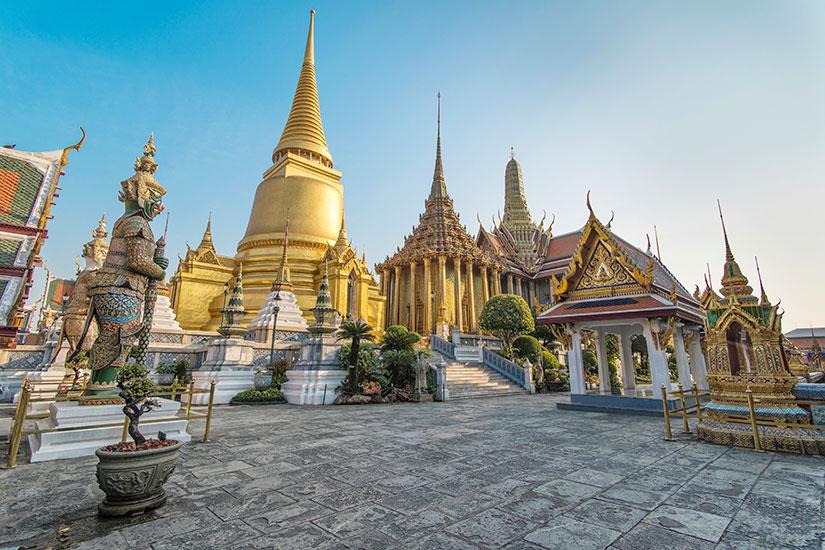 image Thailande Bangkok Phra Kaeo Temple Bouddha Emeraude  it