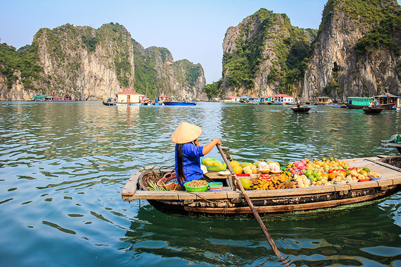 image Vietnam Baie Halong Marche flottant  it