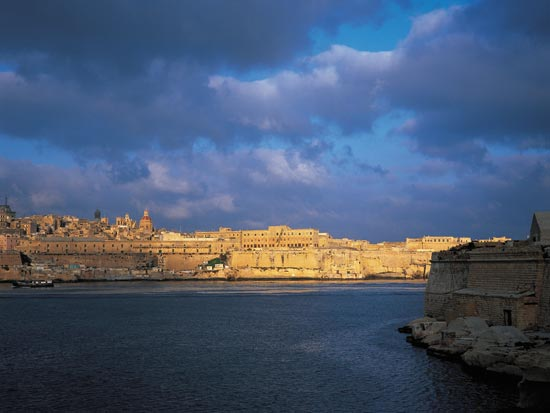 Circuit malte malte l 39 le des chevaliers 8 jours bt for Sejour complet malte