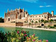 espagne baleares majorque palma cathedrale fotolia